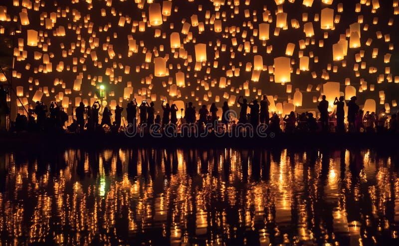 Фестиваль Чиангмай Yi Peng, Таиланд стоковые фотографии rf