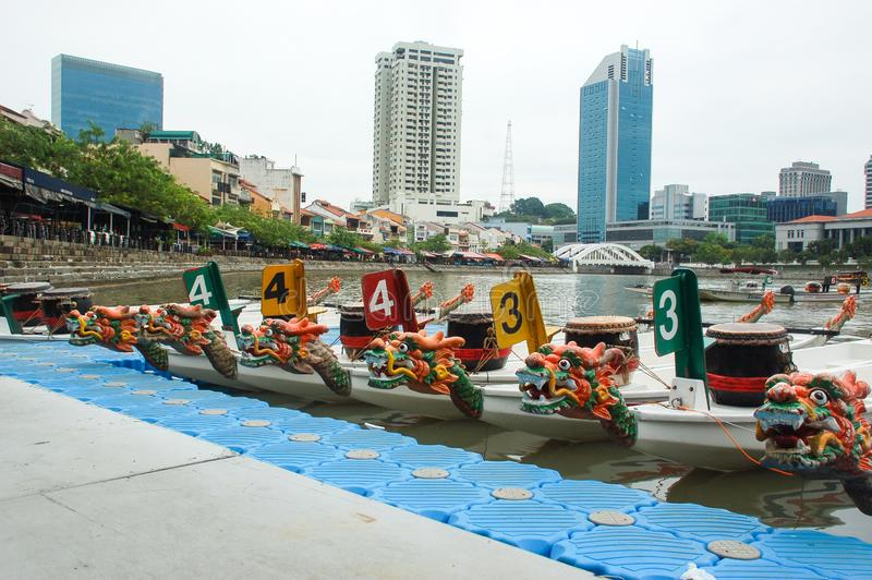 Фестиваль шлюпки дракона на реке Сингапура, набережной Clark, Сингапуре стоковые фото