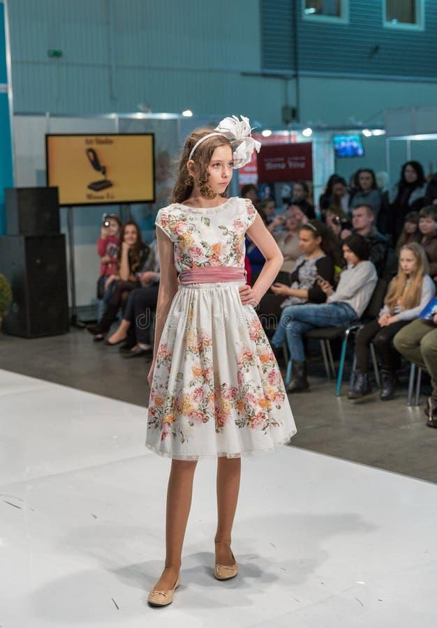 Фестиваль 2016 моды Kyiv моды в Киеве, Украине стоковая фотография