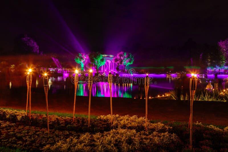 Фестиваль огней в парке Kadriorg города стоковые изображения