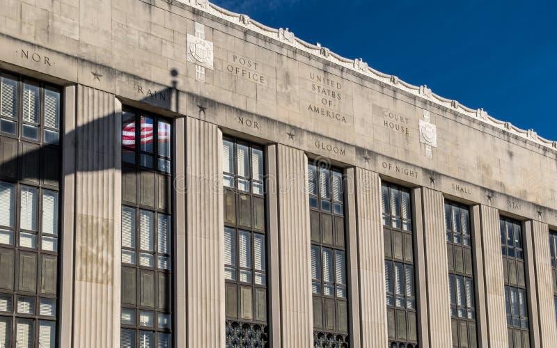 Федеральное здание в полуденной Миссиссипи стоковое изображение rf