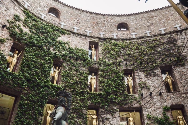 ФИГЕРАС, ИСПАНИЯ - 21-ОЕ АПРЕЛЯ 2016: Деталь музея Сальвадора Dali стоковое фото