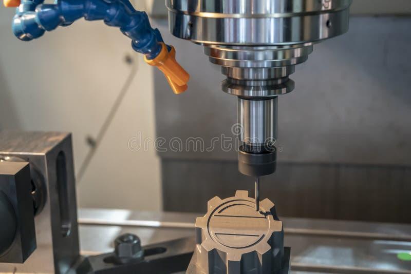 Филировальная машина CNC режа графитовый электрод твердой мельницей шарового наконечника стоковые фото