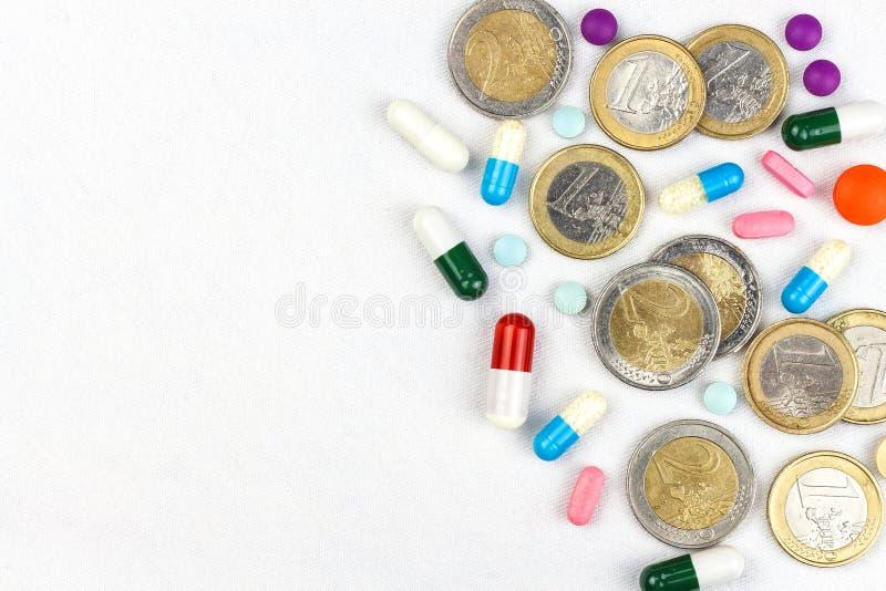 Финансирование здравоохранения Медицина, финансы, здравоохранение и незаконный оборот наркотиков - медицинские таблетки или лекар стоковые фото