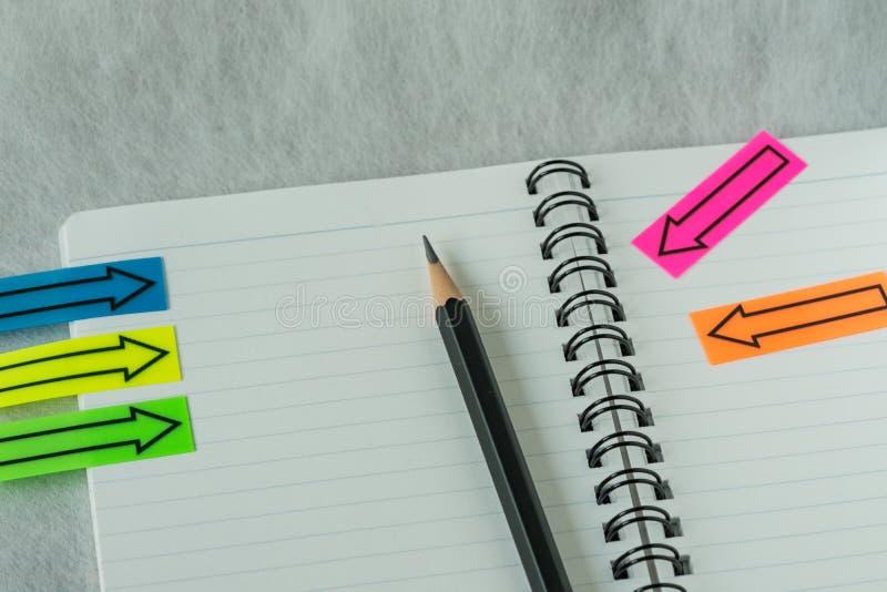 финансовая концепция цели или контрольного списока как селективный фокус на penc стоковая фотография rf