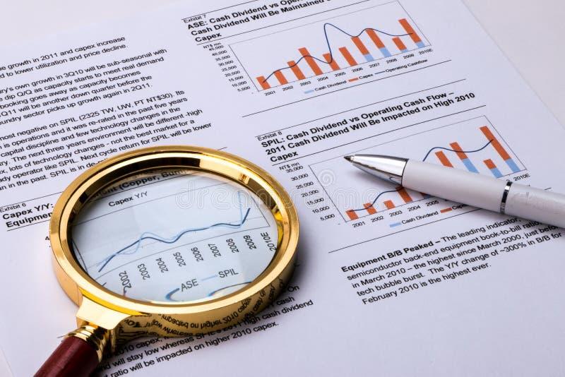 Финансовые диаграмма и диаграмма стоковые изображения rf