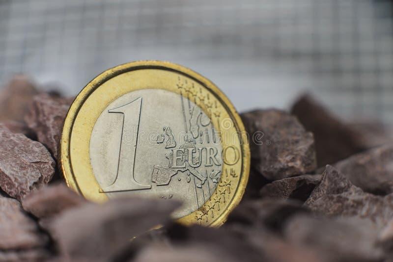 Финансовые инвестиции монетки евро стоковая фотография rf