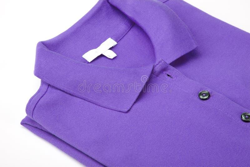 фиолет рубашки поло стоковая фотография