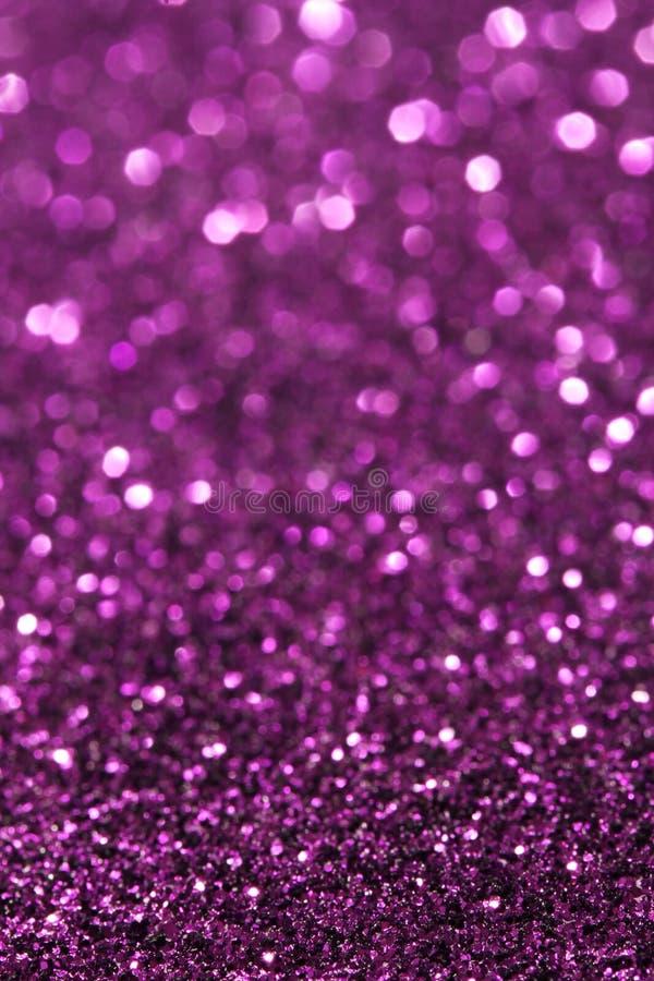 Фиолетовая предпосылка мягких светов абстрактная - вертикаль стоковые фотографии rf