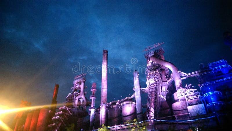 Фиолетовые стальные света стоковые фотографии rf