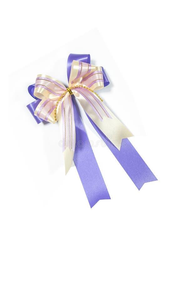 Фиолетовый смычок ленты стоковое фото