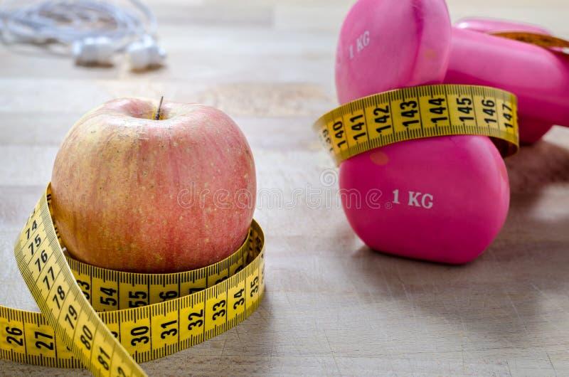 Фитнес и диета новое понятие стоковые фото