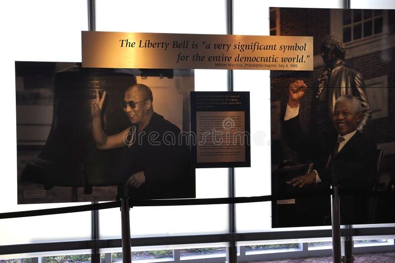 Download Филадельфия, 4-ое августа: Интерьер независимости разбивочный от Филадельфии в Пенсильвании Редакционное Фото - изображение насчитывающей backhoe, конструкция: 81812031