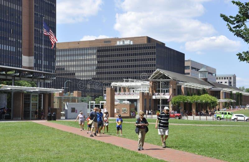 Download Филадельфия, 4-ое августа: Национальный центр конституции от Филадельфии в Пенсильвании Редакционное Стоковое Изображение - изображение насчитывающей двухстороннего, зодчества: 81812054