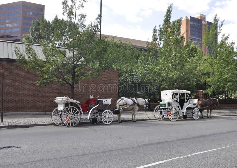Download Филадельфия, 4-ое августа: Путешествие экипажа в старом городе Филадельфии в Пенсильвании Редакционное Изображение - изображение насчитывающей культурно, антиквариаты: 81812075
