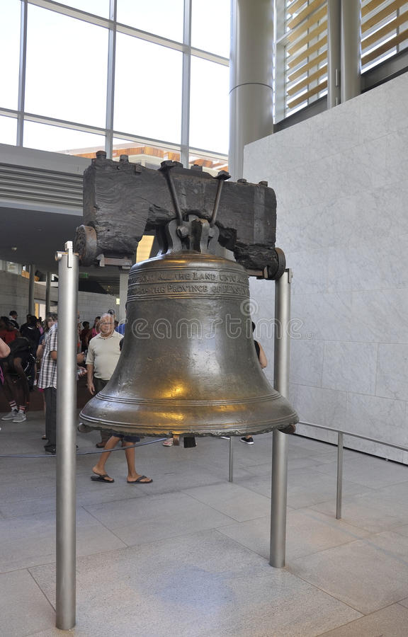 Download Филадельфия, 4-ое августа: Свобода колокол от центра независимости Филадельфии в Пенсильвании Редакционное Фотография - иллюстрации насчитывающей отклонение, объявление: 81812052