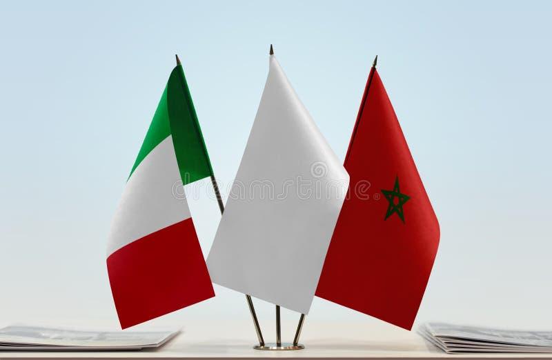 Флаги Италии и Марокко стоковая фотография rf