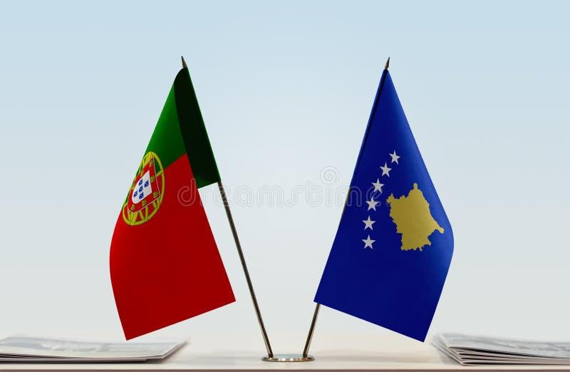 Флаги Португалии и Косова стоковые изображения