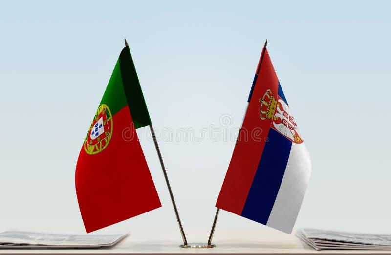 Флаги Португалии и Сербии стоковое фото rf