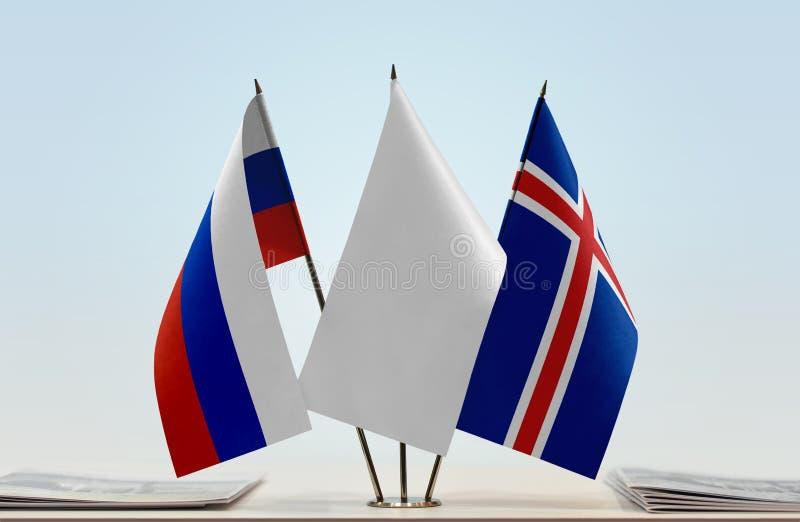 Флаги России и Исландии стоковое изображение