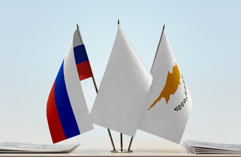 Флаги России и Кипра стоковая фотография