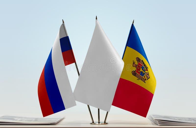 Флаги России и Молдавии стоковое фото rf