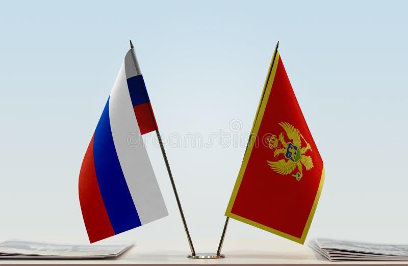 Флаги России и Черногории стоковая фотография