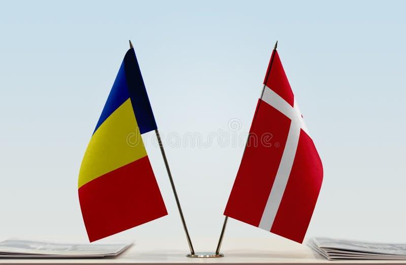 Флаги Румынии и Дании стоковое фото rf
