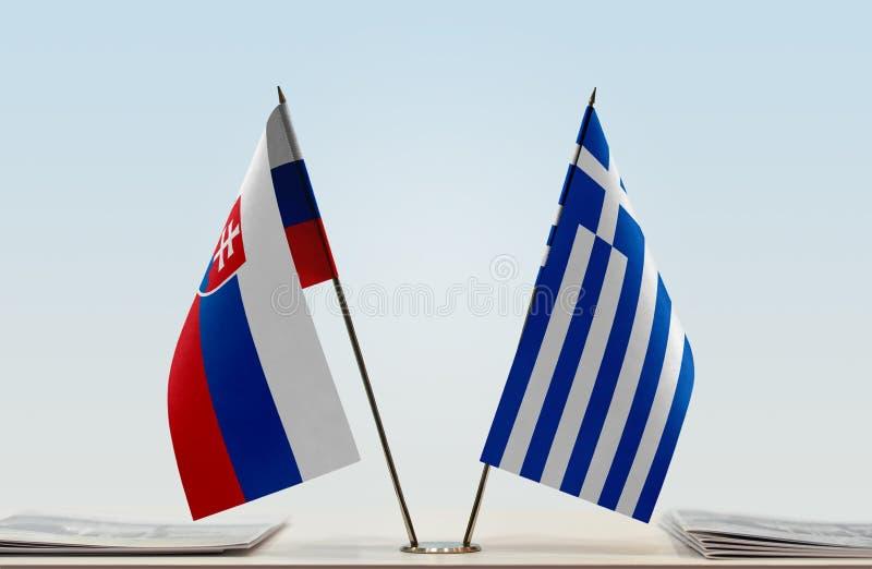 Флаги Словакии и Греции стоковая фотография rf