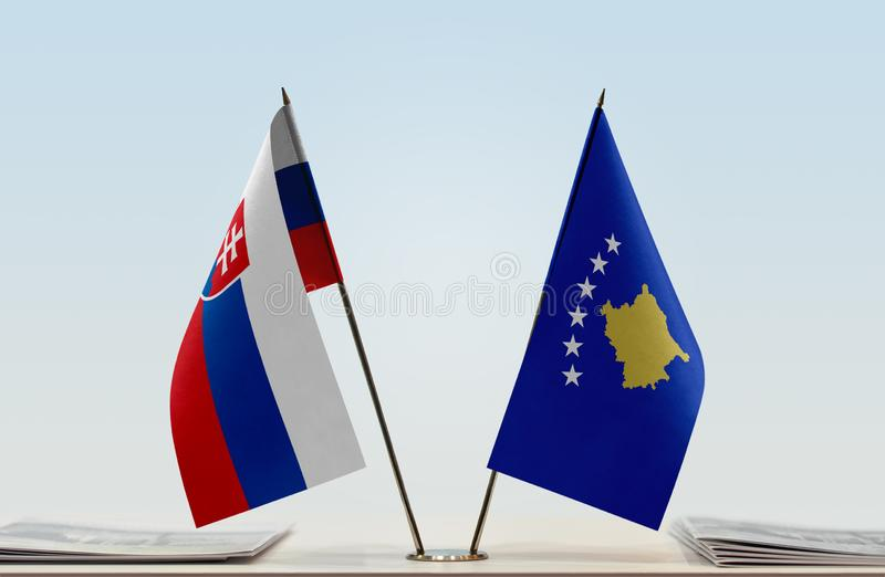 Флаги Словакии и Косова стоковое фото rf