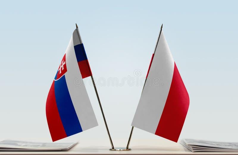 Флаги Словакии и Польши стоковые изображения