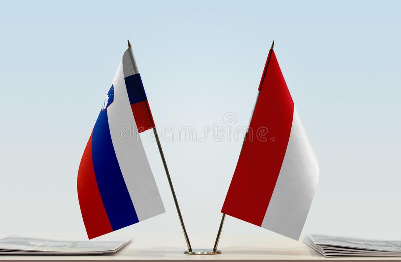 Флаги Словении и Монако стоковое изображение rf