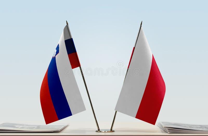 Флаги Словении и Польши стоковое фото
