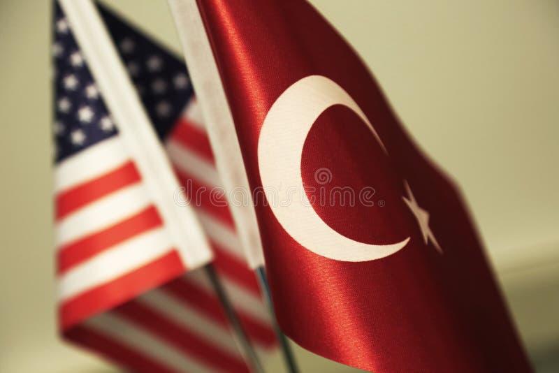 Флаги Турции и Соединенных Штатов Америки стоковое фото