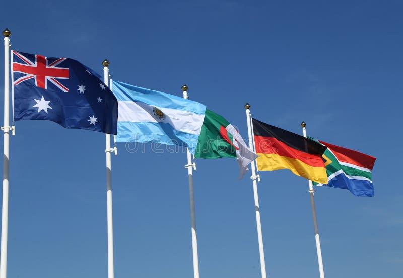 Флаги International: Австралия, Аргентина, Алжир, Германия и Южная Африка стоковое фото rf
