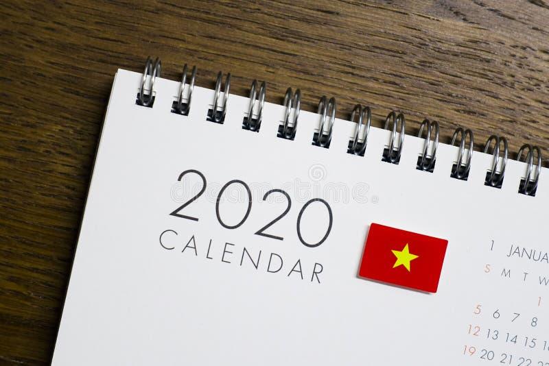 Флаг Вьетнама на календаре 2020 стоковая фотография rf
