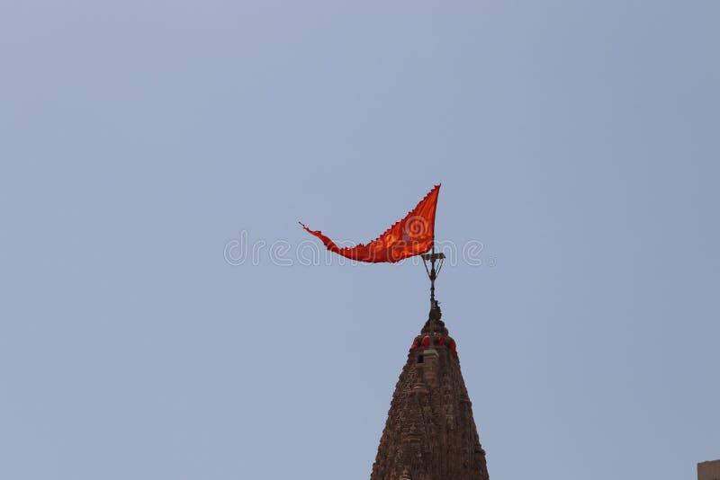 Флаг в верхней части виска стоковая фотография rf