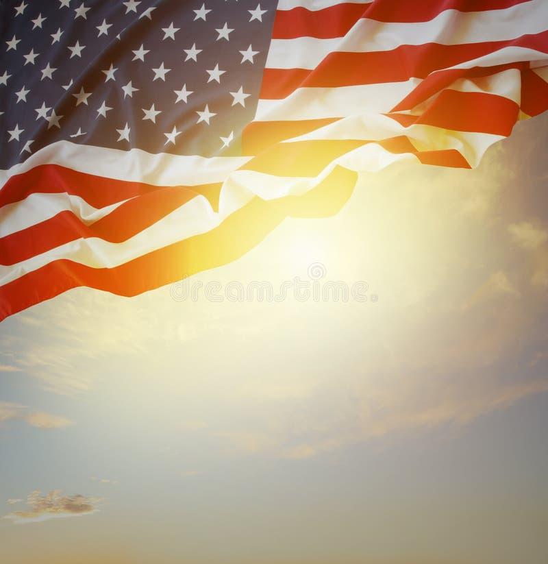 Флаг и небо стоковые фотографии rf