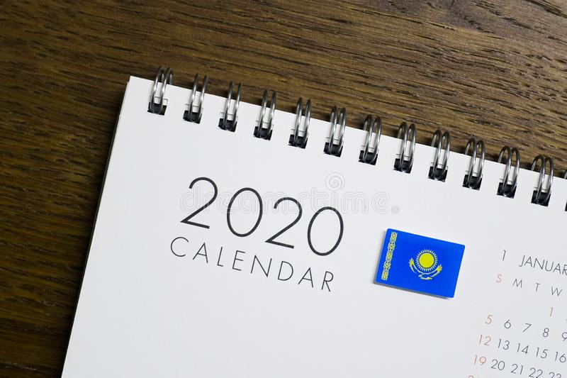 Флаг Казахстана на календаре 2020 стоковое изображение