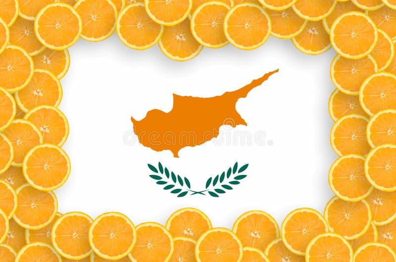 Флаг Кипра в свежей рамке кусков цитрусовых фруктов иллюстрация штока