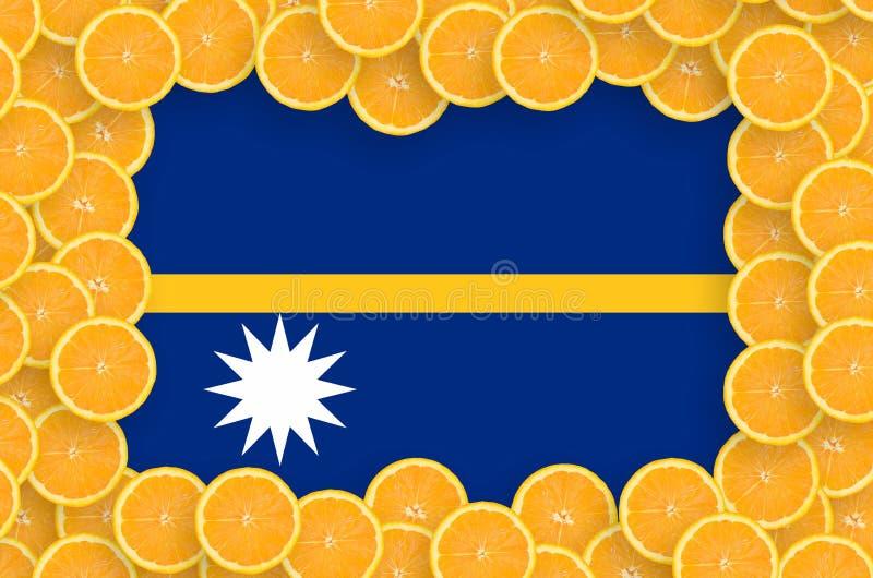 Флаг Науру в свежей рамке кусков цитрусовых фруктов иллюстрация вектора