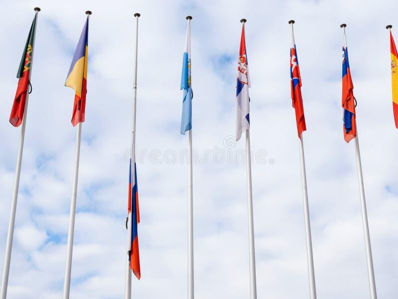 Флаг полу-рангоута летания России на Совете Европы в Strasbou стоковое фото rf
