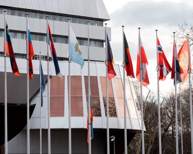 Флаг полу-рангоута летания России на Совете Европы в Strasbou стоковое фото