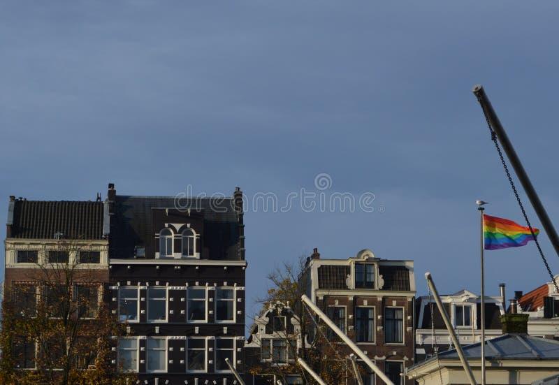 Флаг Радуга в Амстердаме стоковая фотография