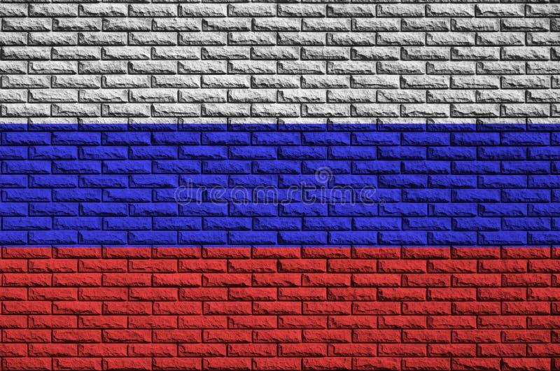 Флаг России покрашен на старую кирпичную стену стоковые изображения