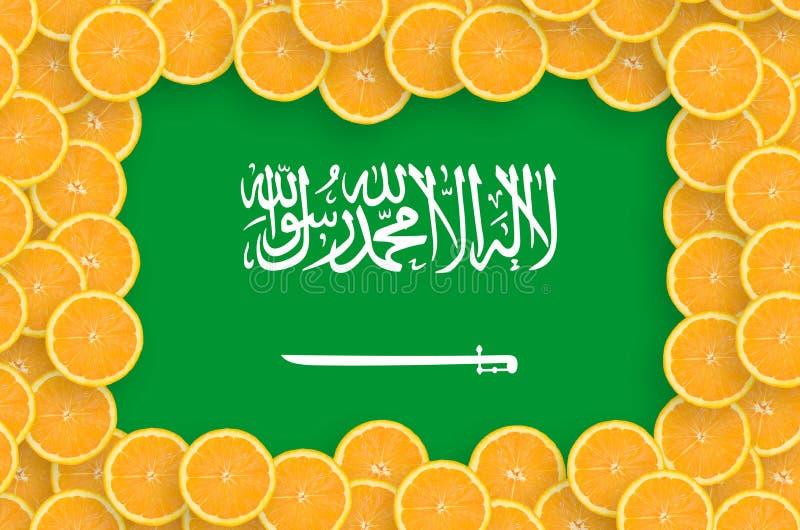 Флаг Саудовской Аравии в свежей рамке кусков цитрусовых фруктов бесплатная иллюстрация