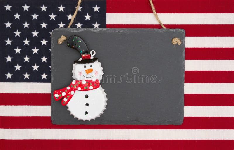 Флаг Соединенных Штатов Америки с черной доской с snowm стоковое фото rf