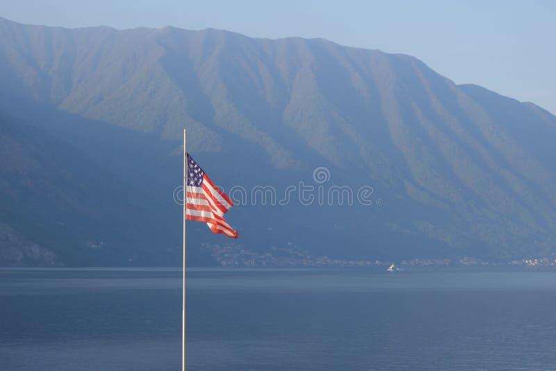 Флаг США на озере Como, Италии, Европе стоковая фотография