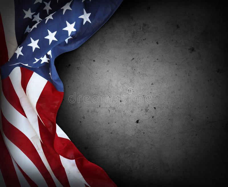 Флаг США на сером цвете стоковые изображения
