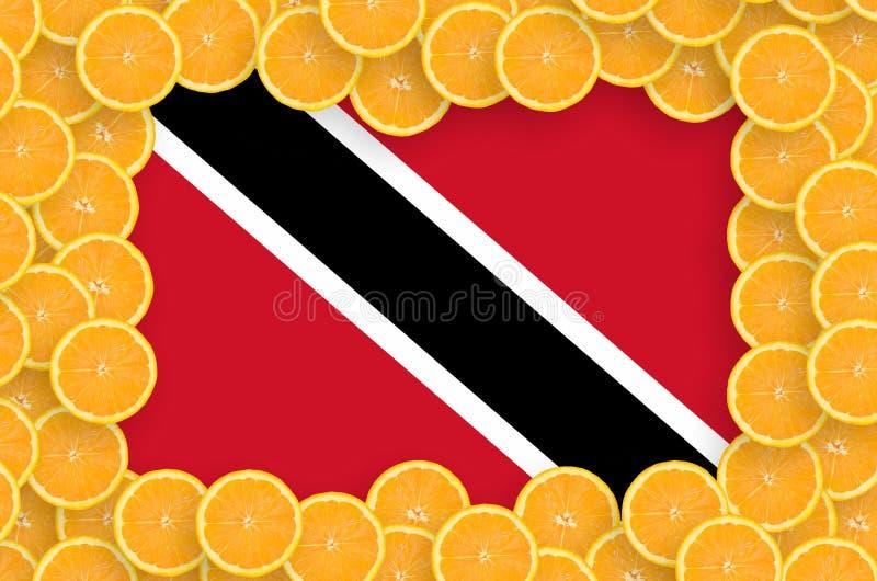 Флаг Тринидад и Тобаго в свежей рамке кусков цитрусовых фруктов иллюстрация штока